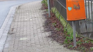 Grundschule Salder - direkt am Zebrastreifen (Foto: A. Hanne)